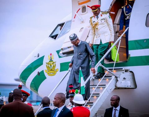 President Buhari returns to Abuja after 10 working days holiday to an enthusiastic reception from Nigerians on 18th August 2018