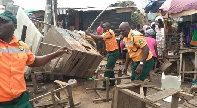 LAGESC displaces Street traders, hawkers in Iyana-Ipaja, Ikeja, Dopemu, Others