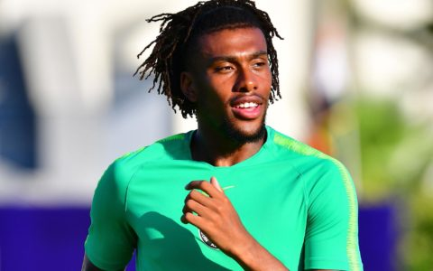 Sports: Iwobi Finally Signs a 5-Year Deal with Everton FC
