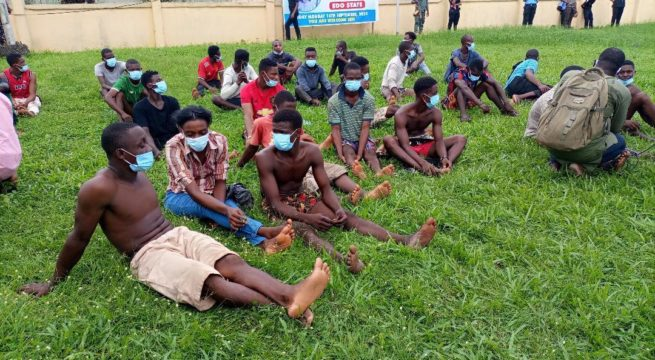 Edo police parade 126 suspects for jail-break, looting, others