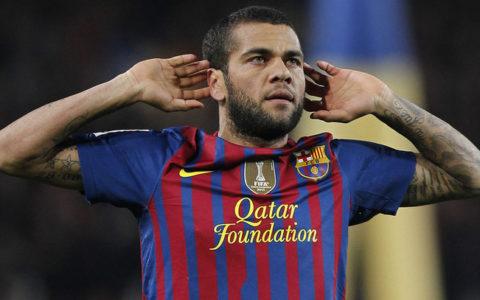 Egyptian Club Prioritize Signing Ex-Barca Defender Alves