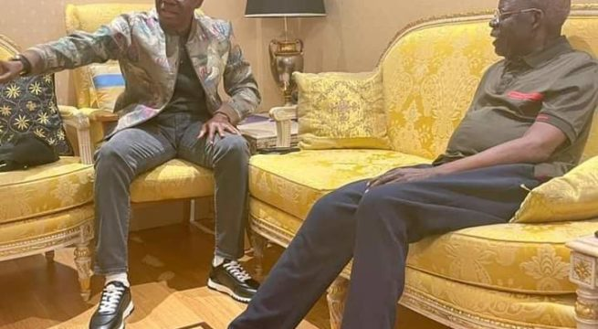 Governor Babajide Sanwo-Olu of Lagos State paid a visit to the National Leader of the All Progressives Congress, APC, Bola Tinubu in London on Tuesday.