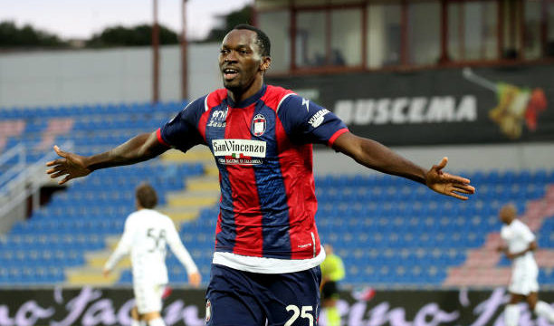 Nigerian forward, Simy Nwankwo is in advanced talks to join Salerno with a medical scheduled for Thursday ahead of his transfer to the newly promoted Salernitana,Football Italia reports.