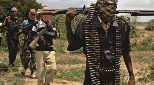 Mob Burns 13 Suspected Bandits To Ashes In Sokoto Divisional Police Headquarters